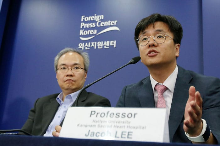 As the MERS outbreak approaches its end, the last remaining countries have lifted their warnings concerning travel to Korea. The above photo shows a press briefing for foreign correspondents in Seoul about the current status of MERS in Korea on July 23.