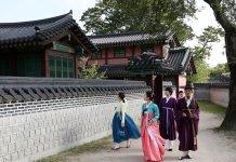 Hanbok_Joseon_Palace_o1.jpg