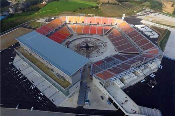 Olympic_Stadium_Opening_Closing_ceremonies_01.jpg