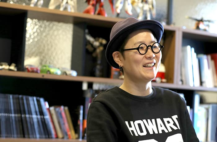 Moon Miyoung, director of the video 'The Last A.I.' that promotes Korea, shares behind-the-scenes stories about making the short film, at 231Production in Nonhyeon-dong, Seoul, on Dec. 26. She said, 'I hope that this video promotes Korea as a friend of the world.'