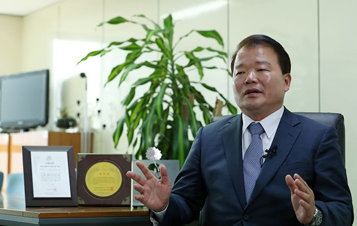 Chairman Shin Han Yong of the Corporate Association of the Gaseseong Industrial Complex hopes that the 2018 Inter-Korean Summit will be successful so that it can help improve inter-Korean relations.