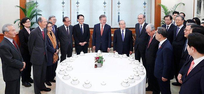 President_Moon_0412_Luncheon_01.jpg