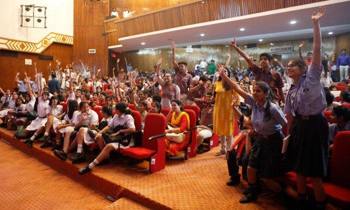 주인도한국문화원은 청소년들이 한-인도 관계에 대한 비전을 세우는 것을 장려하기 위해 인도 전역에서 제6회 한-인도 친선 에세이경연대회(2~8월)와 제3회 한-인도 친선 퀴즈경연대회(1~5월)를 열었다. 특히 에세이경연대회에 참석한 많은 학생들이 향후 인도와 한국의 가교가 돼 양국 협력 증진에 기여하고 싶다는 포부를 펼쳤다. 주인도한국문화원