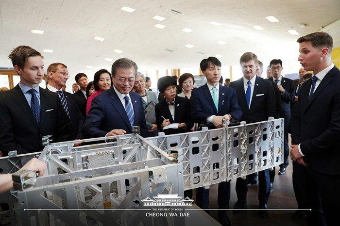 문재인 대통령이 10일(현지시간) '유럽의 실리콘밸리'라 불리는 핀란드의 오타니에미 혁신 단지를 방문했다. 청와대 페이스북