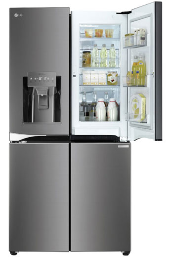 Equipped with an ice dispenser and purified water, LG's new refrigerator is very popular these days.