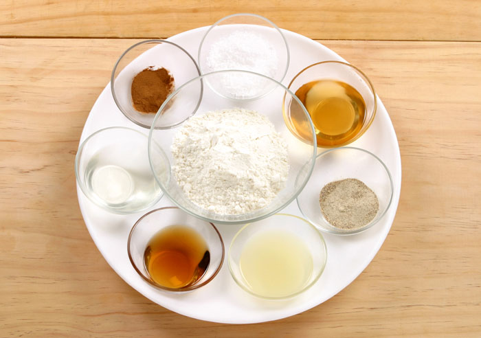 The main ingredients for <i>yakgwa</i> are wheat flour, honey, sesame oil, cinnamon powder, white pepper, pine nuts, pumpkin seeds and ginger juice.