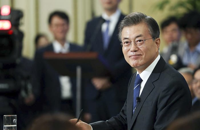Cheong Wa Dae released an interview of President Moon Jae-in to mark the first 100 days since his inauguration, on Aug. 18. The photo shows President Moon during a press conference at the Yeongbingwan Guest House on Aug. 17. Cheong Wa Dae