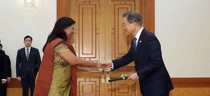 New_Ambassadors_Korea_0201_01.jpg