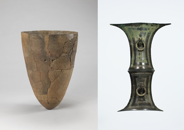 "Comb-pattern pottery (left) representing the Neolithic Period on the Korean Peninsula and a bronze split bamboo-shaped artifact from the Early Iron Age are on display in the exhibition ""The Enchanting Journey to Korean Civilization"" at the National Museum of Riyadh. The event runs through March 7, 2019."