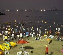 Jeju's summer nights bring in the tourists