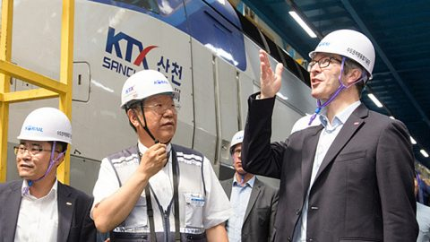 KTX shares train tech with France's TGV