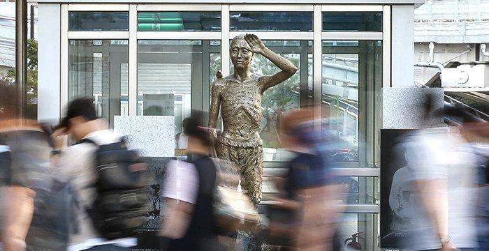bronze%20statue_170913_article_04.jpg